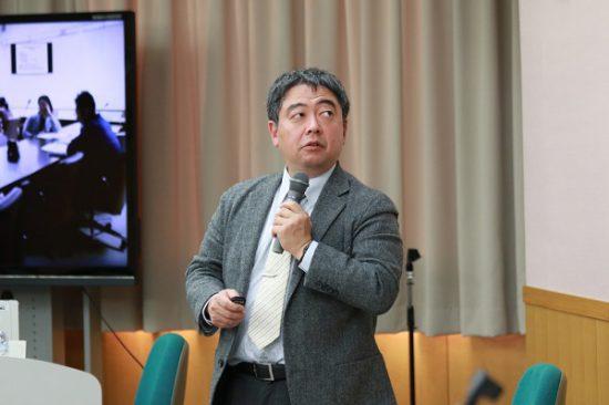 講演する岡崎慎治筑波大学准教授